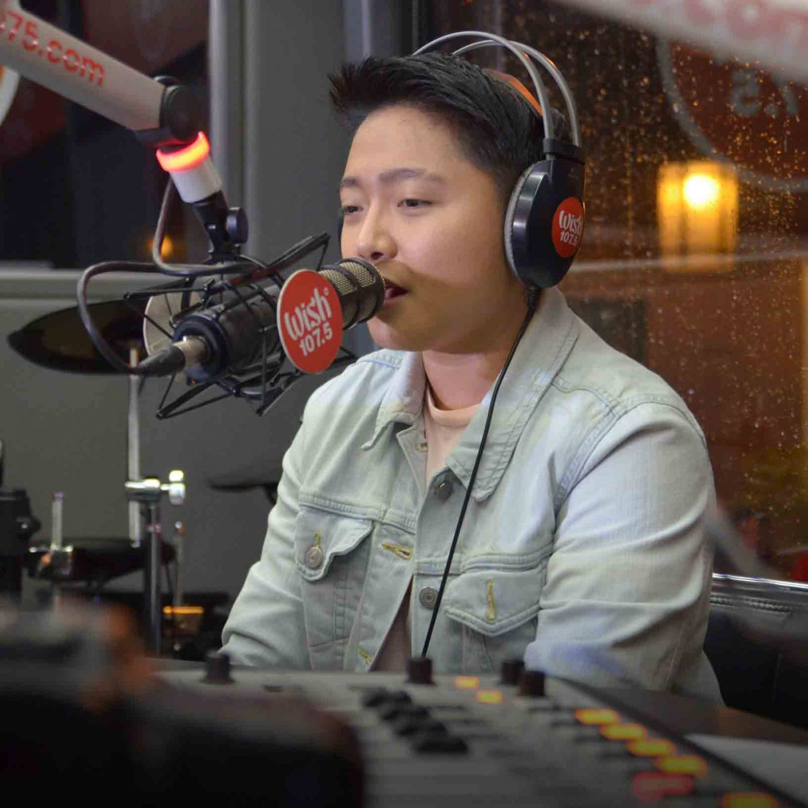"Jake Zyrus' first-ever performance on the Wish Bus is an impressive and memorable one. He sang ""Hiling"" and Simple Plan's ""Perfect"" during the anniversary concert.  (Photo courtesy of Photoville International)"