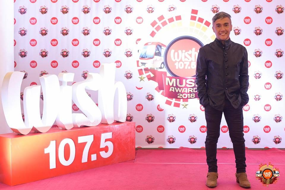 Journey frontman Arnel Pineda on the 3rd WMA red carpet