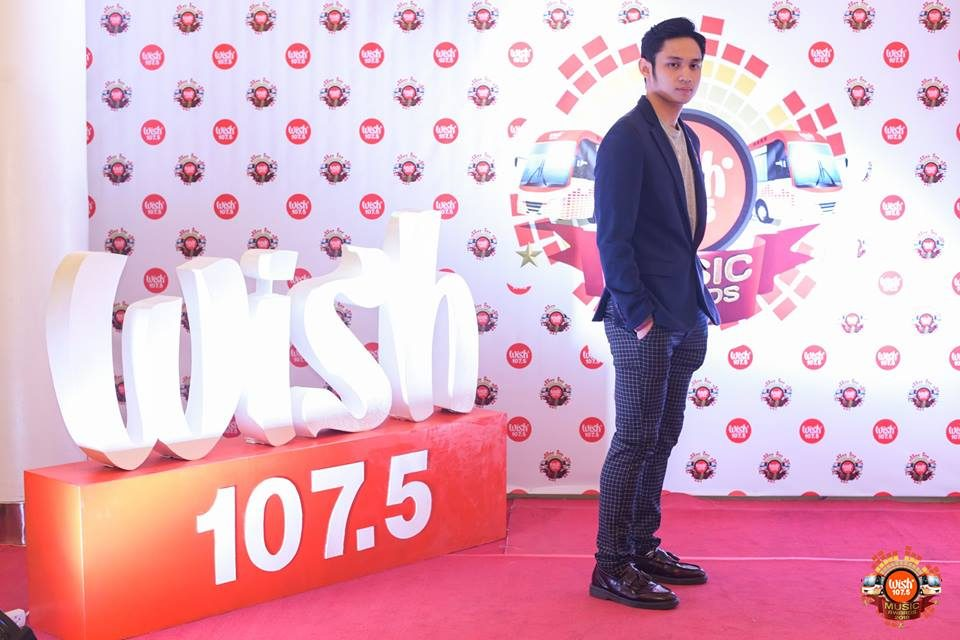R&B crooner Michael Pangilinan on the 3rd WMA red carpet