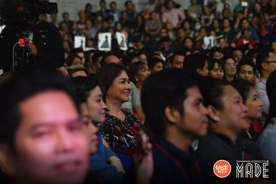 Excited just like any typical Morissette fan, Ms. Charo Santos-Concio was spotted among the crowd, smiling genuinely as she awaited the young diva's next performance.