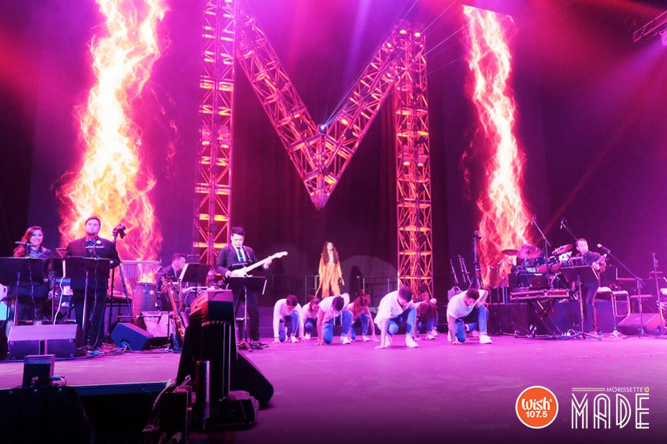 The Asia's Phoenix has arrived! Like the mythical bird that rises from the flames, Morissette comes up from behind the stage, at the center of two fiery columns where a giant metal doorway spelled 'M' hails her arrival – ready to blast songs before an enthralled and excited audience at The Big Dome.