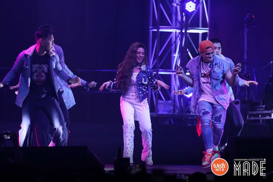 Morissette Amon shows the crowd that she not only possesses a great singing voice, she can also groove to the beat as she performs with Zeus Collins and ATeam!