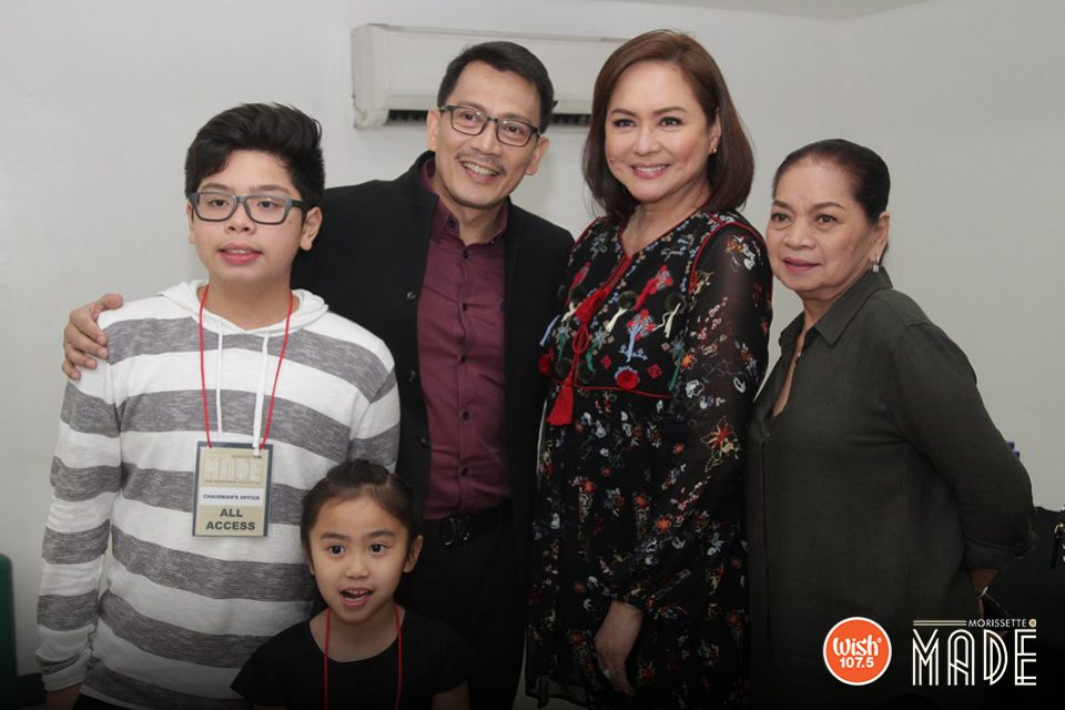 Two of the country's biggest media influencers, UNTV-BMPI CEO/President Dr. Daniel Razon and ABS-CBN's Chief Content Officer Ms.Charo Santos-Concio pose in a memorable photo. They are joined by Dr. Razon's adorable kids and ABS-CBN's Casting Coordinator Ms. Aida Espiritu.