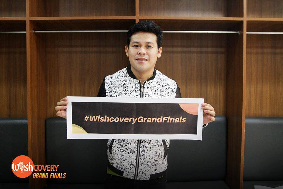 Pilipinas Got Talent Season 2 Grand Winner Marcelito Pomoy will share his vocal prowess with the crowd tonight. But first, he shares with all Wishcovery's fansign for tonight's Twitter conversation. #WishcoveryGrandFinals