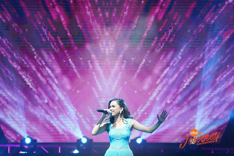 "Wishful Carmela Ariola showed off her powerful vocal command as she owned the Araneta stage with a flawless rendition of Whitney Houston's ""Didn't We Almost Have It All."""