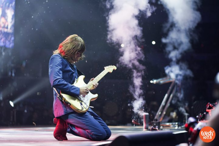 """IV of Spades' Blaster Silonga is on spotlight as he delivered a show-stopping guitar solo during his band's """"Mundo"""" performance at the 4th Wish Music Awards."""