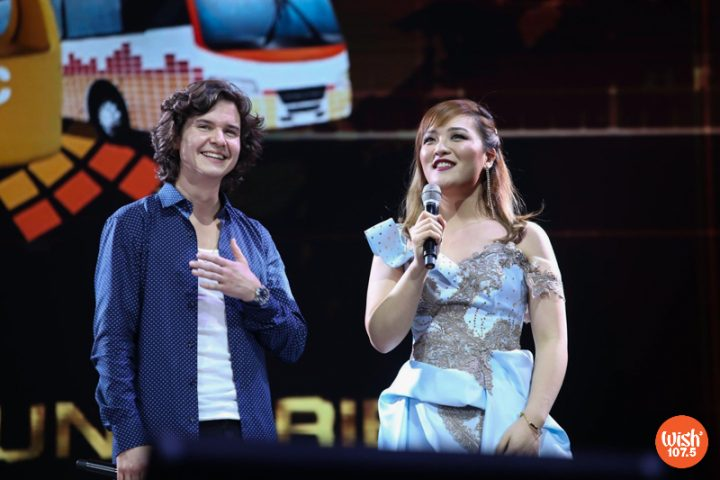 DJ Alice joins Lukas Graham on stage after the latter's performance during the 4th Wish Music Awards held on January 15, 2019 at the SMART-Araneta Coliseum.
