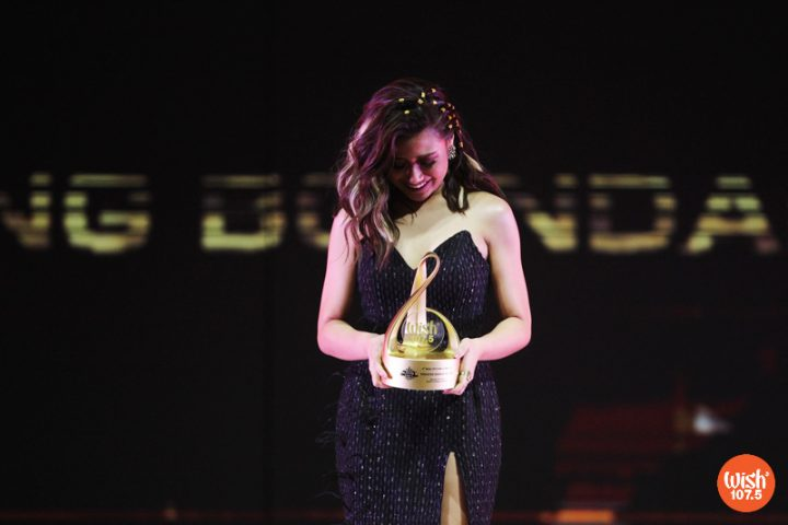 """Thankful and overwhelmed, Morissette is the 4th WMA's Wishclusive Ballad Performance of the Year awardee for her emotional Wish Bus rendition of """"Akin Ka Na Lang."""""""
