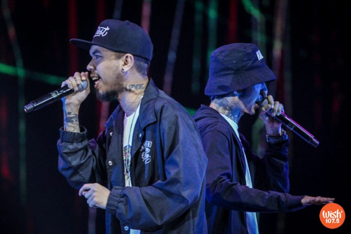 """Rap sensations Loonie (left) and Ron Henley (right) hype up the evening's mood with a striking performance of their WMA-nominated song, """"Ganid."""""""